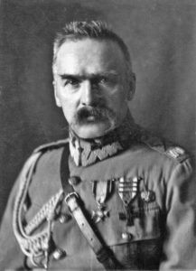 Józef-Piłsudski-217x300